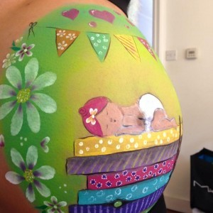 Another beautifully painted baby bump - I would not want to wash it off!
