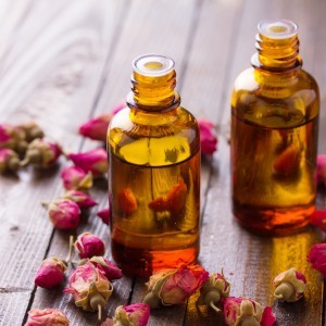 Serum ingredient: Rose essential oil (Rosa damascena)  is highly emollient - that is to say it naturally & gently softens the skin